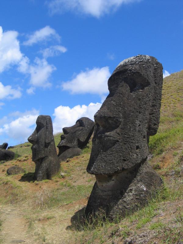 """Moai Rano raraku"" by Aurbina - Own work. Licensed under Public Domain via Commons - https://commons.wikimedia.org/wiki/File:Moai_Rano_raraku.jpg#/media/File:Moai_Rano_raraku.jpg"